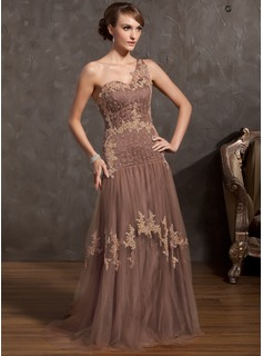 A-Line/Princess One-Shoulder Sweep Train Tulle Mother of the Bride Dress With Lace Beading