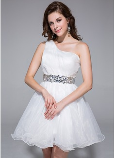 A-Line/Princess One-Shoulder Short/Mini Organza Homecoming Dress With Ruffle Beading