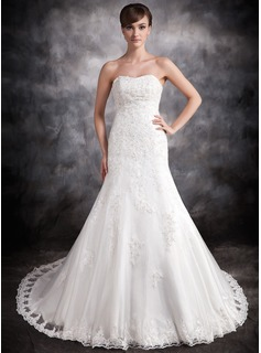 Trumpet/Mermaid Sweetheart Chapel Train Organza Satin Wedding Dress With Lace Beading