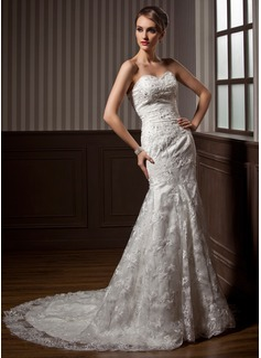 Trumpet/Mermaid Sweetheart Chapel Train Lace Wedding Dress With Beading