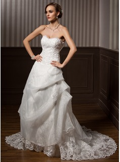 A-Line/Princess Sweetheart Chapel Train Organza Satin Wedding Dress With Lace Beadwork
