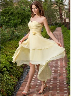 A-Line/Princess Sweetheart Asymmetrical Chiffon Bridesmaid Dress With Ruffle Flower