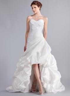 Corte A/Princesa Escote corazón Asimétrico Tafetán Vestido de novia con Volantes