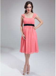 Empire Scoop Neck Knee-Length Chiffon Charmeuse Maternity Bridesmaid Dress With Ruffle Sash (045004382)