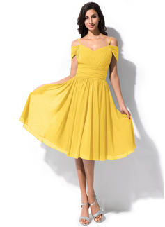 A-Line/Princess Off-the-Shoulder Knee-Length Chiffon Bridesmaid Dress With Ruffle