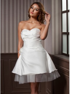 A-Line/Princess Sweetheart Knee-Length Satin Tulle Wedding Dress With Ruffle Flower(s) (002011637)
