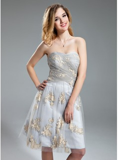 A-Line/Princess Sweetheart Knee-Length Tulle Homecoming Dress With Embroidered Ruffle (022019601)