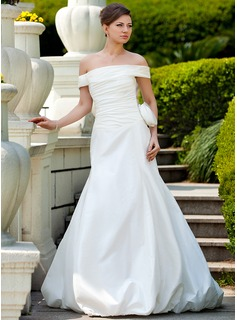 A-Line/Princess Off-the-Shoulder Court Train Taffeta Wedding Dress With Ruffle Flower(s) (002024573)