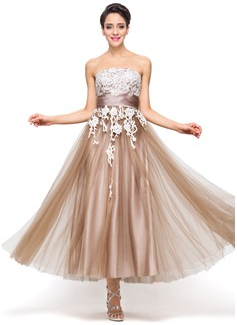 A-Linie/Princess-Linie Trägerlos Knöchellang Satin Tüll Festliche Kleid mit Applikationen Spitze