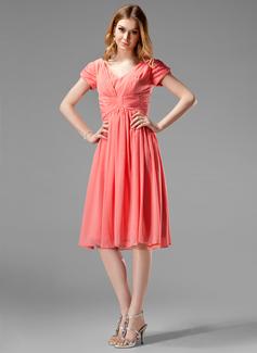 A-Line/Princess V-neck Knee-Length Chiffon Bridesmaid Dress With Ruffle