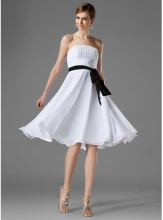 A-Line/Princess Strapless Knee-Length Chiffon Bridesmaid Dress With Ruffle Sash Bow