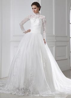 Balklänning Hög hals Kapell Tåg Organzapåse Bröllopsklänning med Rufsar Spetsar Pärlbrodering