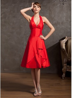 A-Line/Princess Halter Knee-Length Taffeta Homecoming Dress With Ruffle (022014892)