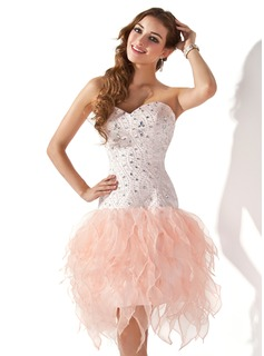 A-Line/Princess Sweetheart Knee-Length Organza Satin Homecoming Dress With Beading (022020798)