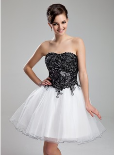 A-Line/Princess Sweetheart Short/Mini Organza Sequined Prom Dress With Lace (018018834)