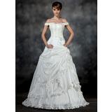 Duchesse-Linie Schulterfrei Hof-schleppe Taft Brautkleid mit Rüschen Perlen verziert Applikationen Spitze Kristalle Blumen Brosche