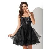 A-Line/Princess Sweetheart Short/Mini Organza Homecoming Dress With Beading