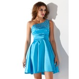 A-Line/Princess One-Shoulder Short/Mini Charmeuse Homecoming Dress With Beading