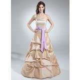 A-Linie/Princess-Linie Trägerlos Bodenlang Taft Quinceañera Kleid (Kleid für die Geburtstagsfeier) mit Rüschen Schleifenbänder/Stoffgürtel