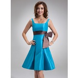 A-Line/Princess Square Neckline Knee-Length Taffeta Bridesmaid Dress With Sash (007001153)