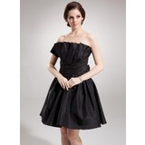 A-Line/Princess Scalloped Neck Knee-Length Taffeta Homecoming Dress With Ruffle (022020758)