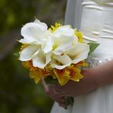 Lumineux Rond Satin Bouquets de Demoiselle D'honneur (123040480)