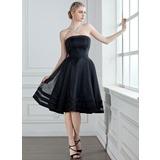 A-Line/Princess Strapless Knee-Length Organza Bridesmaid Dress