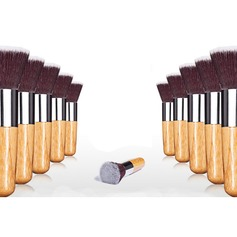 New Bamboo Håndtak Foundation Brush (046024414)