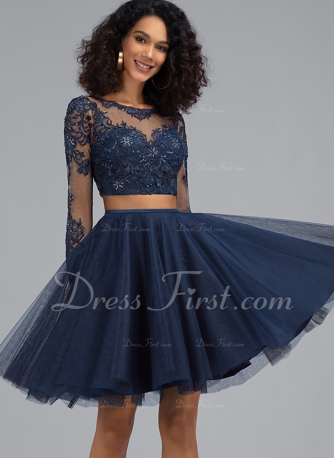 A-Line Scoop Neck Short/Mini Tulle Homecoming Dress With Sequins