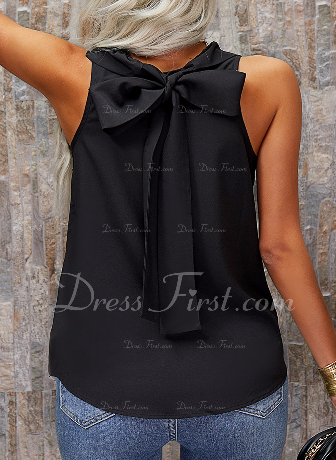 Solid Round Neck Sleeveless Casual Tank Tops