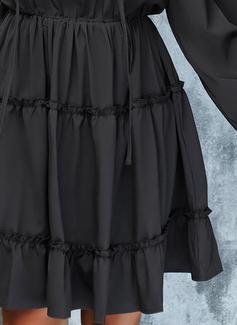 Couleur Unie Robe trapèze Manches Longues Mini Petites Robes Noires Décontractée Patineur Robes tendance