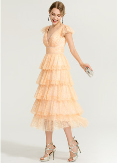 A-Line/Princess V-neck Tea-Length Lace Cocktail Dress
