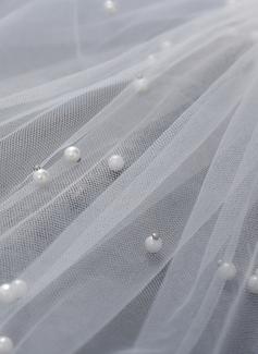 Jednovrstvá Zastřižený okraj Elbow Svatební Závoje S Faux Pearl