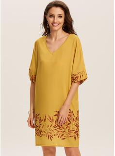Knielänge V-Ausschnitt Baumwollmischungen Drucken Kurze Ärmel Modekleider