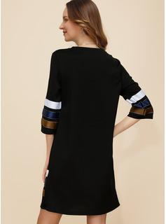 Sobre la rodilla Cuello redondo poliéster color-block Mangas 3/4 Vestidos de moda