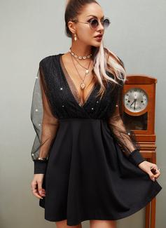 Pailletten Einfarbig A-Linien-Kleid Lange Ärmel Mini Kleine Schwarze Party Skater Modekleider