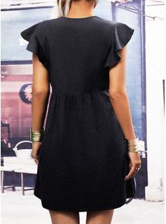 Sólido Agujereado Vestidos sueltos Manga de Gorra Mini Pequeños Negros Casual Túnica Vestidos de moda