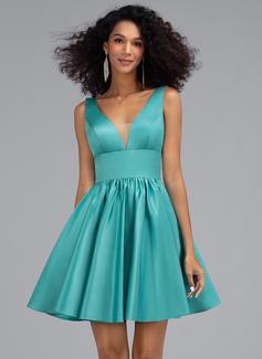 Трапеция V-образный Мини-платье Атлас Платье для Встречи Выпускников с Карманы