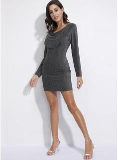 Sobre la rodilla Escote en V poliéster Sólido Mangas Largas Vestidos de moda
