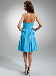 A-Line Sweetheart Knee-Length Chiffon Bridesmaid Dress With Ruffle