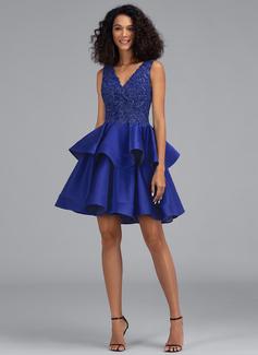 Corte A Decote V Curto/Mini Cetim Vestido de boas vindas com lantejoulas