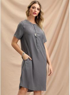Hasta la rodilla Escote en V mezcla de algodón Botones/Sólido Manga corta Vestidos de moda