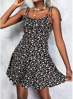 Floral Impresión Vestido línea A Sin mangas Mini Casual Patinador Tipo Vestidos de moda