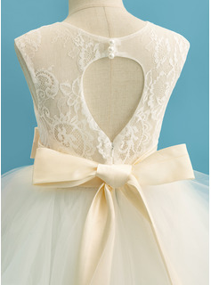 Ball-Gown/Princess Floor-length Flower Girl Dress - Satin/Tulle/Lace Sleeveless Scoop Neck With Bow(s) (Detachable sash)