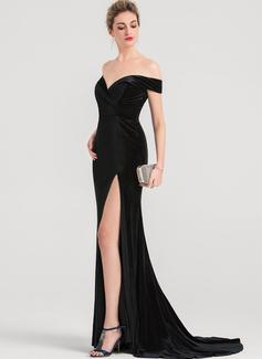 Trumpet/Mermaid Off-the-Shoulder Sweep Train Velvet Bridesmaid Dress With Split Front