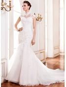Forme Sirène/Trompette col haut Traîne cathédrale Organza Dentelle Robe de mariée avec Brodé Paillettes
