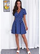 Polkaprik Print Kjole med A-linje Korte ærmer Midi Casual skater Wrap Mode kjoler