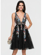 A-Line V-neck Knee-Length Tulle Homecoming Dress With Lace Beading Sequins