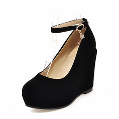 Женщины Замша Вид каблука Закрытый мыс Танкетка с пряжка обувь