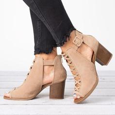 Frauen Veloursleder Stämmiger Absatz Sandalen mit Hohl-out Schuhe
